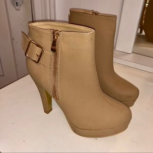 NEW Top Moda tan booties/ankle boots